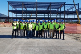 Comitiva do COMDES visita obras do novo aeroporto Hercílio Luz