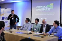 Conversa Empresarial com Antonio Hillesheim reúne mais de 60 jovens