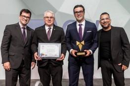 CDL de Florianópolis recebe prêmio em noite de comemorações